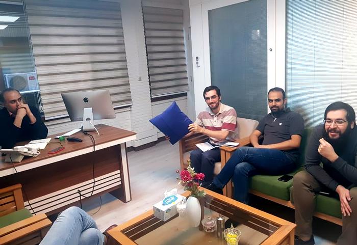 جلسه طراحی کمپین در راتین